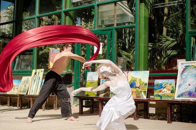 С 5 по 9 мая — бесплатный арт-праздник «Весенние оттенки чудесного» в «Аптекарском огороде»