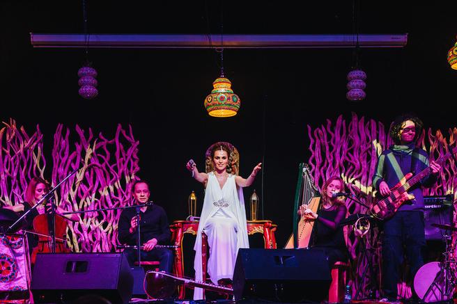 Этнический концерт с премьерой альбома Сати Казановой пройдёт 17 декабря в «Аптекарском огороде»