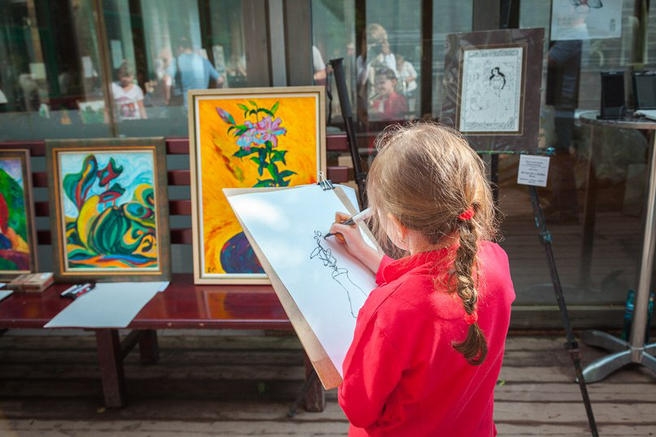 6 и 7 мая — бесплатный арт-проект «Весенние оттенки чудесного» в «Аптекарском огороде»