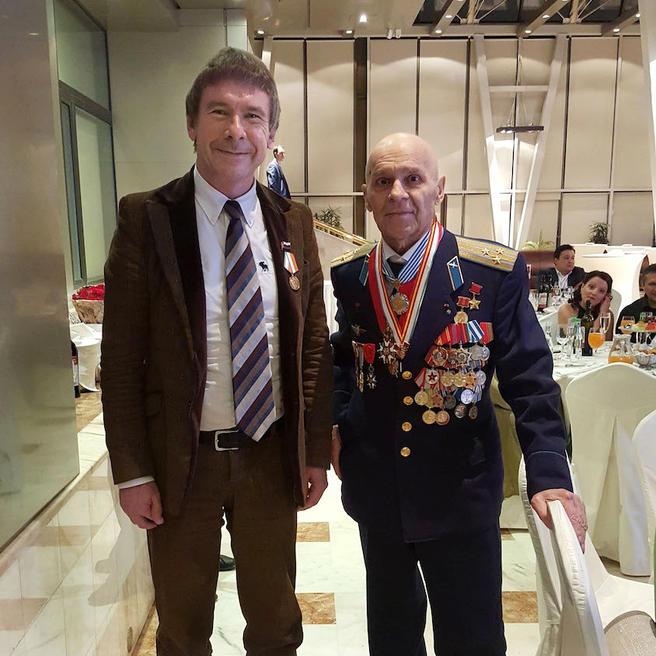 Директор «Аптекарского огорода» награждён медалью ордена «За службу Отечеству»