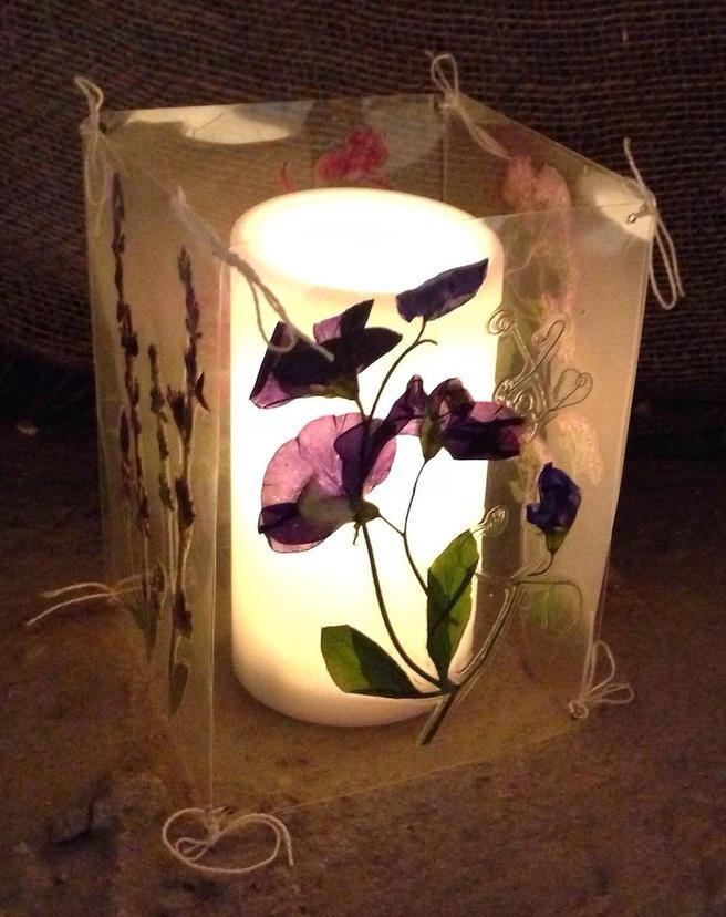 Кружки и абажуры с цветами научат делать 30 ноября в «Аптекарском огороде»